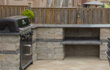 Outdoor Kitchen & Bars