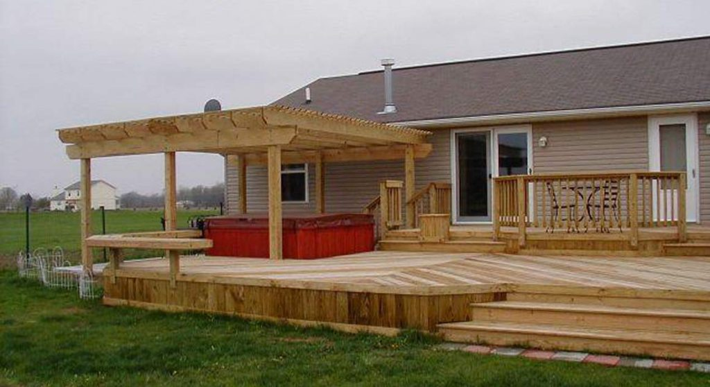 deck builders in Toronto