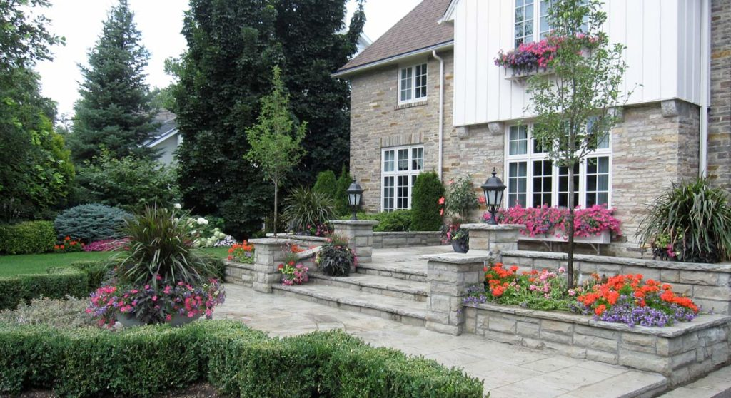 Easy Landscaping Ideas for Your Home